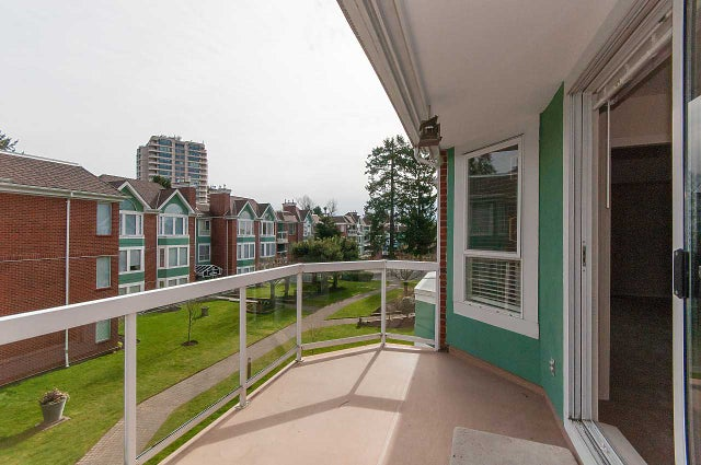 302 1675 AUGUSTA AVENUE - Simon Fraser Univer. Apartment/Condo for sale, 2 Bedrooms (R2246422) #11